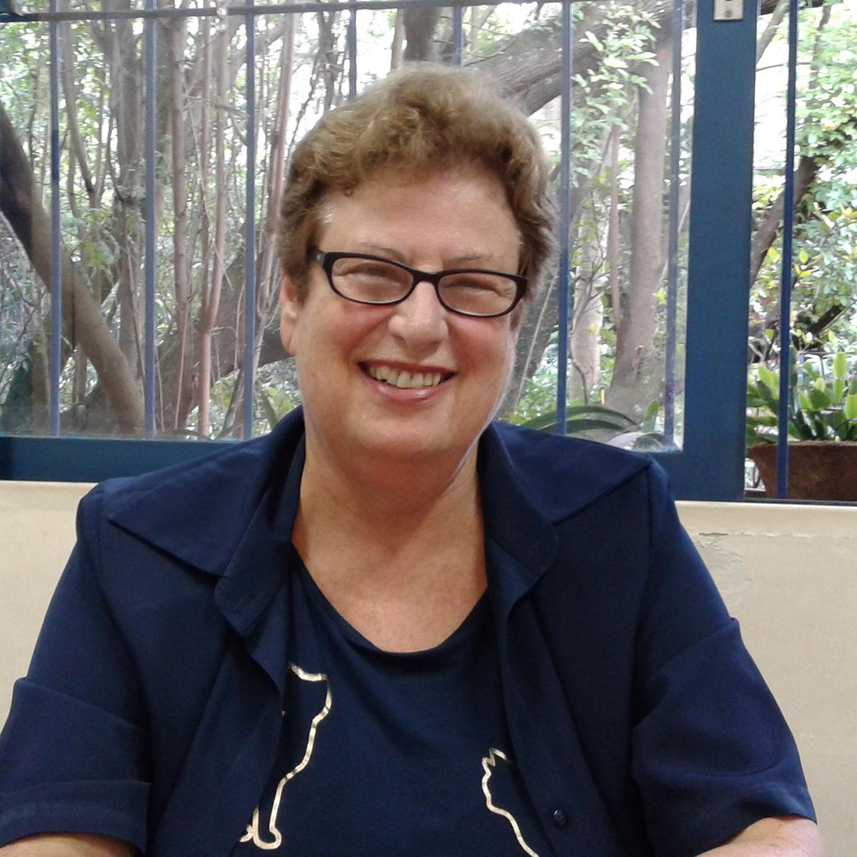 Dra. Maria Julia Kovács