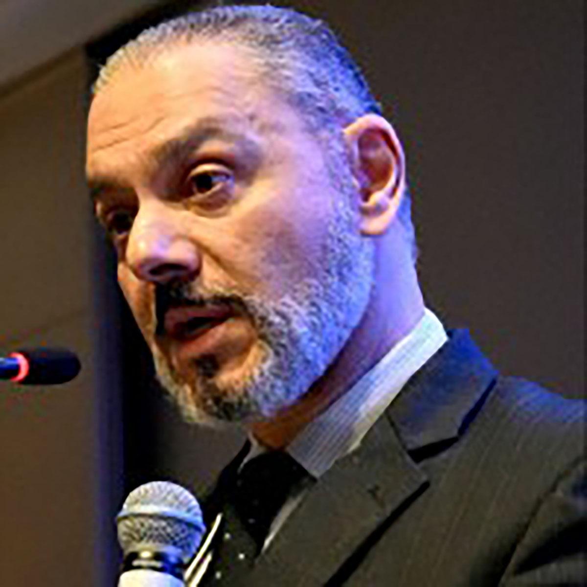 Dr. Ricardo Tavares de Carvalho