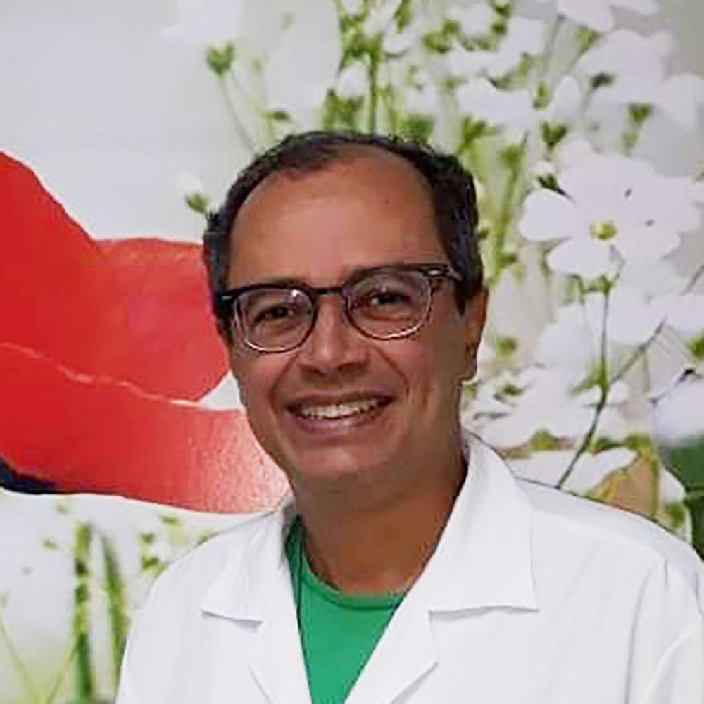 Dr. Franklin Santana Santos